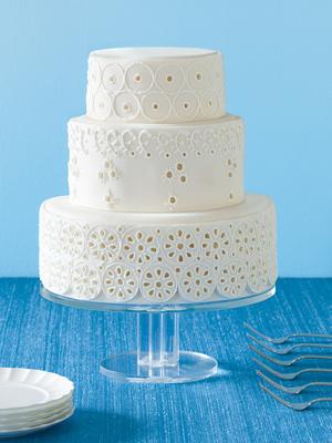 eyelet lace wedding cake