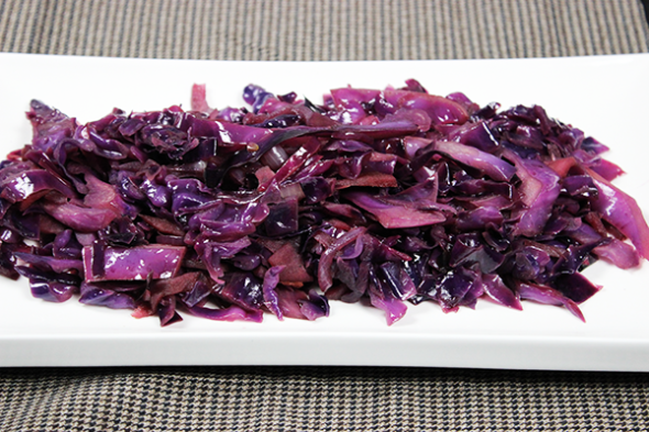 Tasty Braised Red Cabbage with Apple--click for recipe from Spicedblog.com