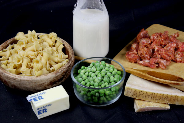 Ingredients for a Delicious Parmesan Cream Sauce!