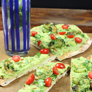 Grilled Guacamole Flatbread with Cilantro-Lime Shrimp...perfect for Cinco de Mayo parties! #cincodemayo #guacamole