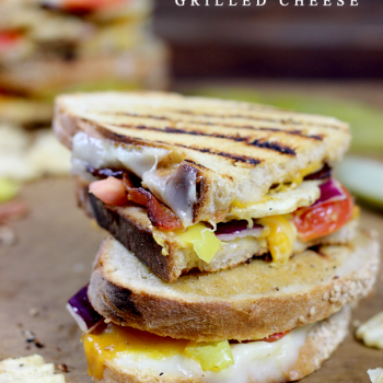 The Crazy Sriracha Grilled Cheese from spicedblog.com #grilledcheese #sandwich #yum