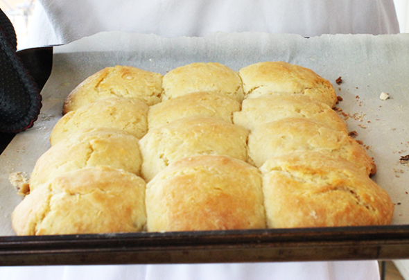 Old Fashioned Buttermilk Biscuit from Spicedblog.com #biscuit