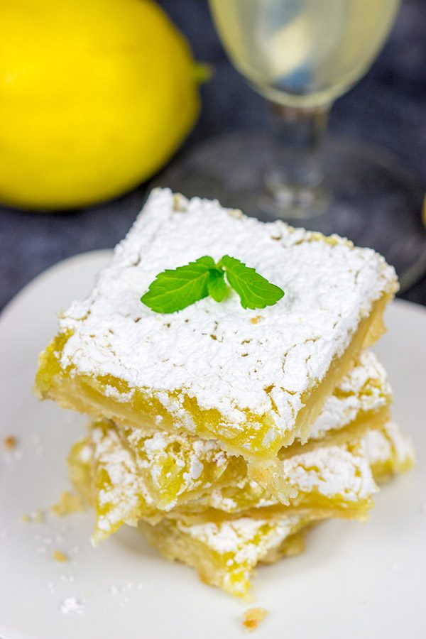 Bellini Banana Cake