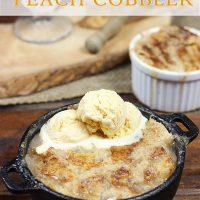 Easy Homemade Peach Cobbler #summer #peaches