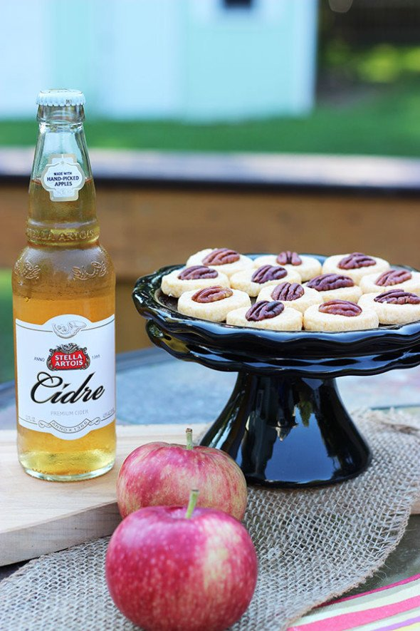 Autumn Cocktail Party Idea: Stella Artois Cidre & Spicy Cheese Wafers