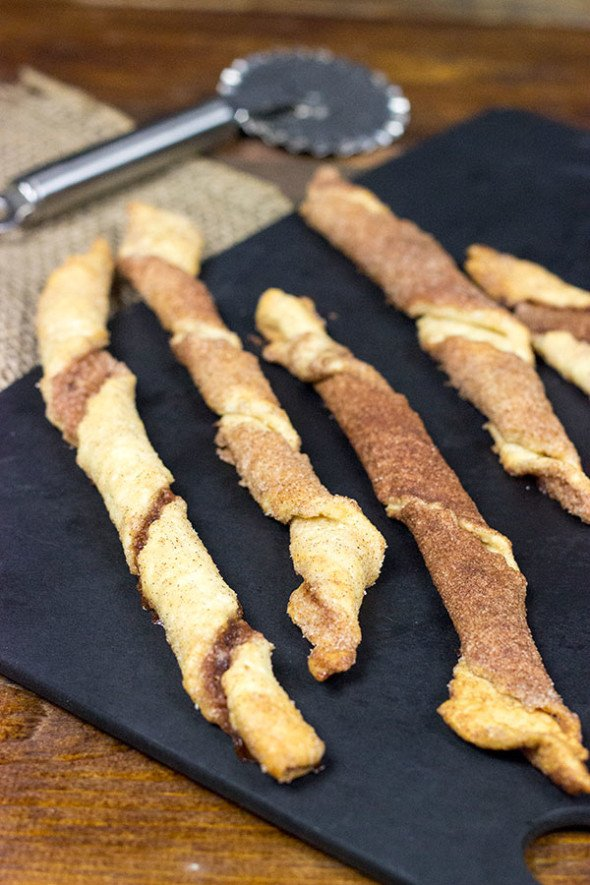 SUPER EASY BREAKFAST TREAT!! Cinnamon Sugar Twists