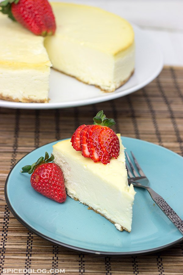 Classic Cheesecake with Graham Cracker Crust