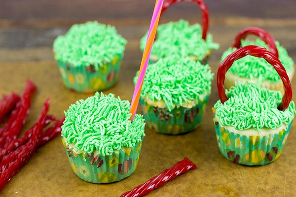 Easter Basket Cupcakes | Spicedblog.com
