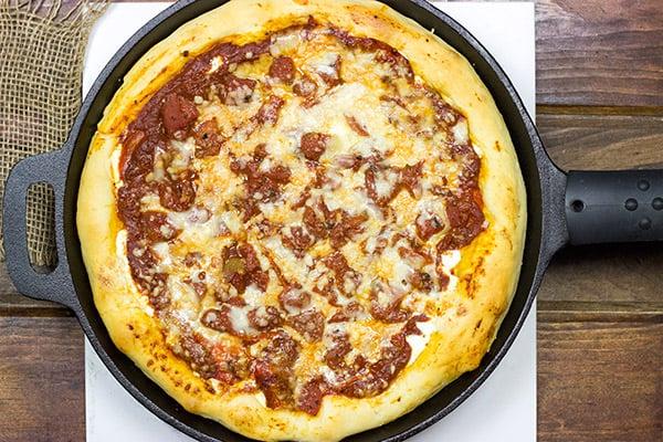 Deep Dish Skillet Pizza   Spicedblog.com
