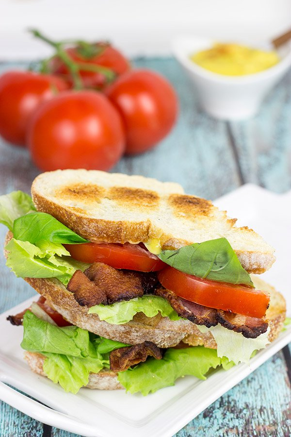 Take the classic summer sandwich up a notch with a homemade aioli! This BLT with Homemade Roasted Garlic Aioli is sure to become a new favorite!