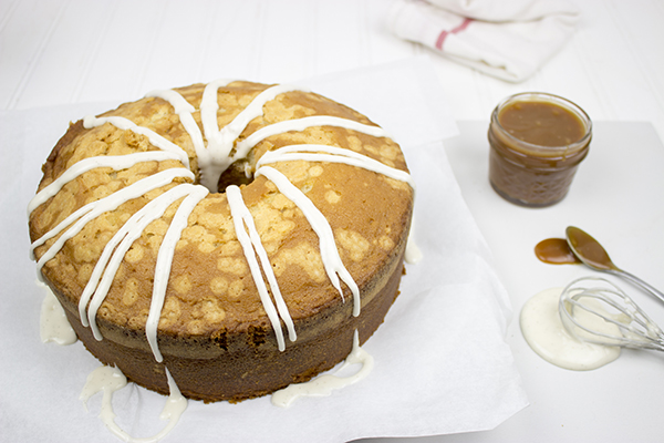 Drizzled with caramel and vanilla, this Dr Pepper Pound Cake is the perfect dessert for your next outdoor party, summer picnic or backyard bash! #CollectiveBias #shop #BackyardBash