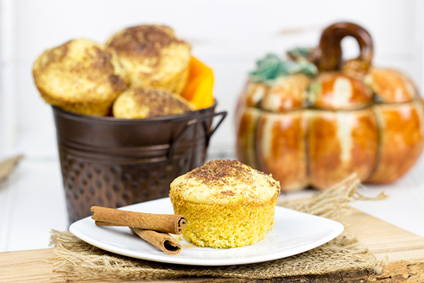 These Pumpkin Pie Spice Cornbread Muffins feature a dash of cinnamon and sugar on top. They're easy, tasty and loaded with your favorite Fall flavors! #IDelight