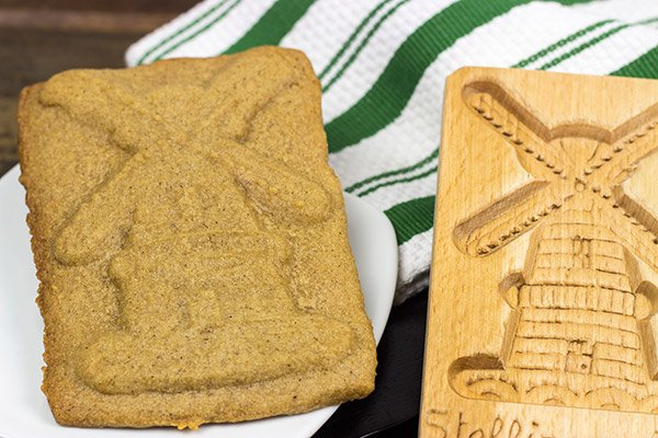 Thin, crunchy and spiced with all sorts of holiday seasonings, these Speculoos Cookies definitely deserve a spot on your holiday cookie plate!