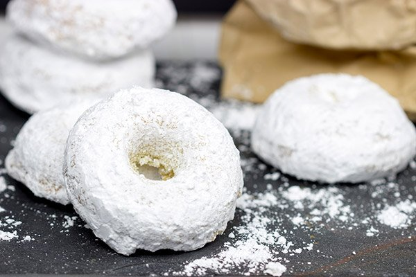 These Baked Powdered Sugar Doughnuts are a quick and easy breakfast classic!