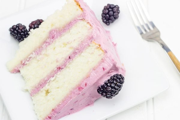 Packed with one of the classic flavors of summer, a slice of this Fresh Blackberry Cake is the perfect treat for the end of a hot day!