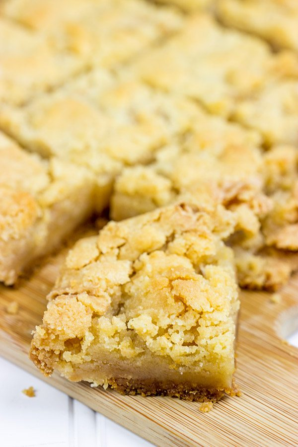 Featuring a layer of gooey caramel filling between a graham cracker crust and a generous crumble topping, these Caramel Crumble Bars make for one tasty dessert!