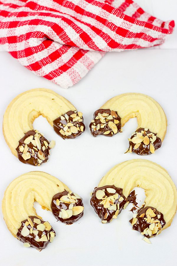 These Chocolate Almond Horseshoe Cookies are a fun and a delicious treat for the holidays!