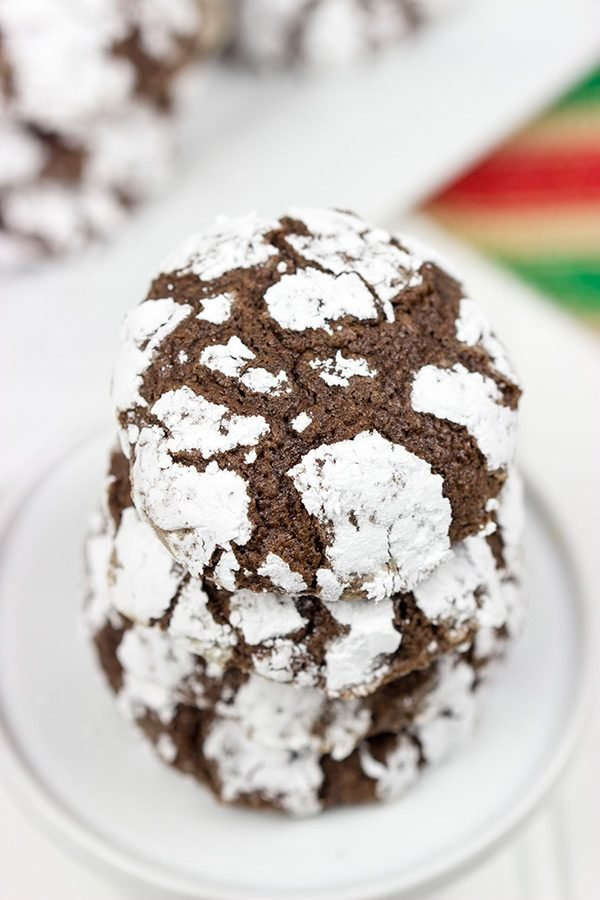 Forget making snowballs outside! Stay inside and make a batch of these Chocolate Snowball Cookies instead!