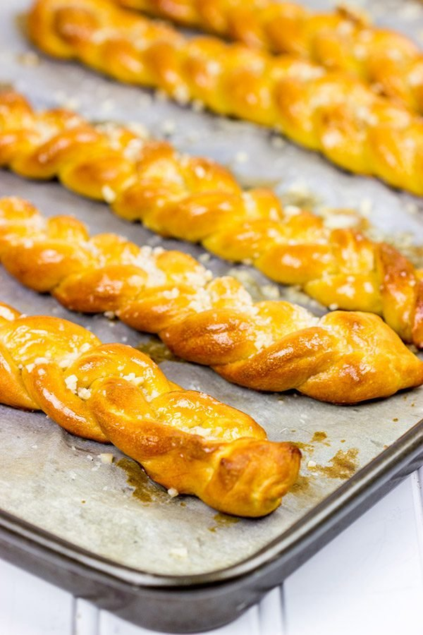 Looking for a tasty snack? How about a batch of these Garlic Butter Pretzel Twists?