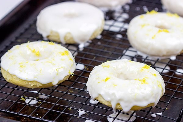 These Baked Lemon Doughnuts are packed with lemony deliciousness!