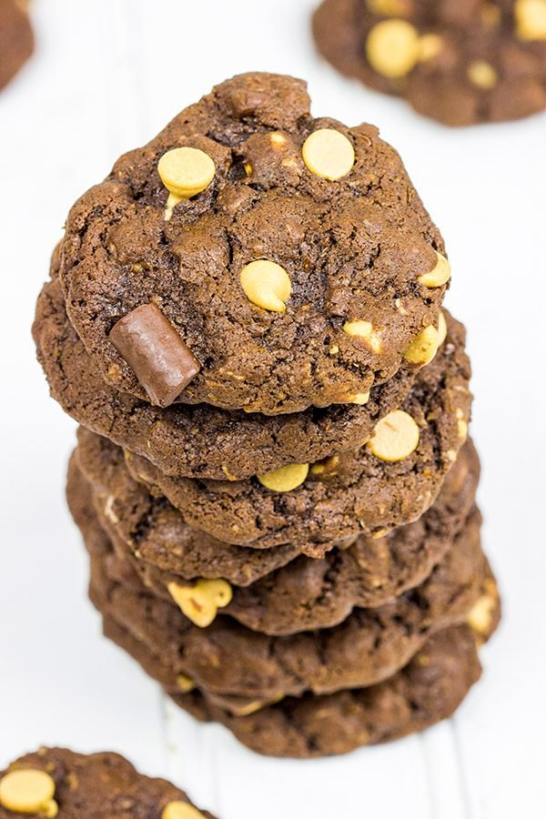 Nothing beats a good book, a roaring fire and a fresh batch of these Chocolate Peanut Butter Cookies!