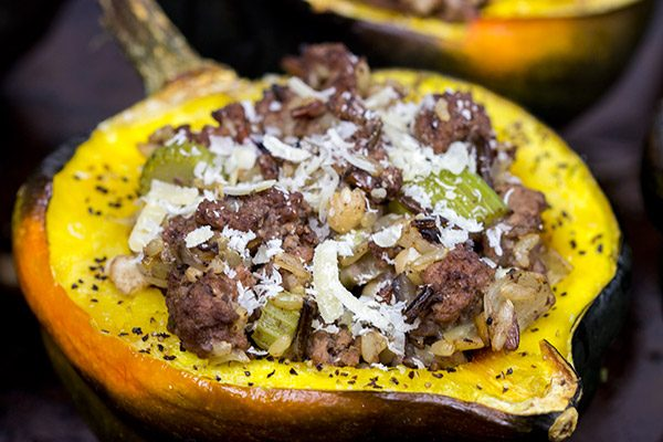 These Stuffed Acorn Squash make for a fun and healthy Autumn dinner!
