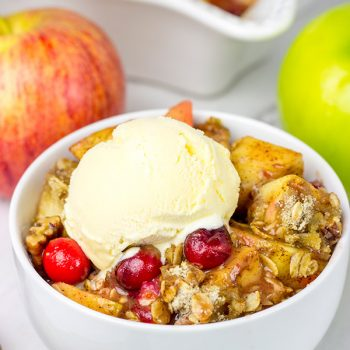 Autumn is almost here! Grab some juicy apples and whip up this Apple Cranberry Crumble for dessert tonight!