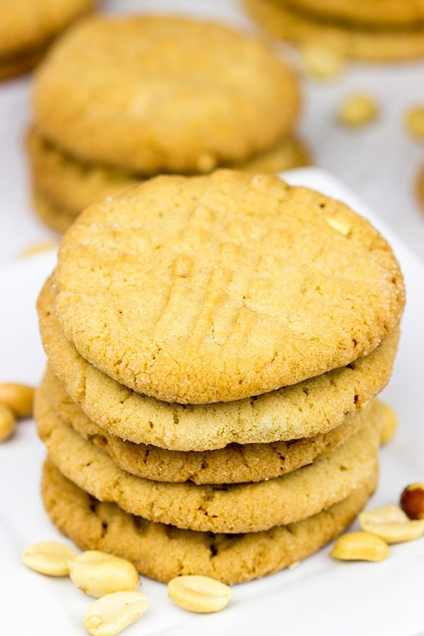 These Classic Peanut Butter Cookies are simple...and delicious! I dare you to eat just one!