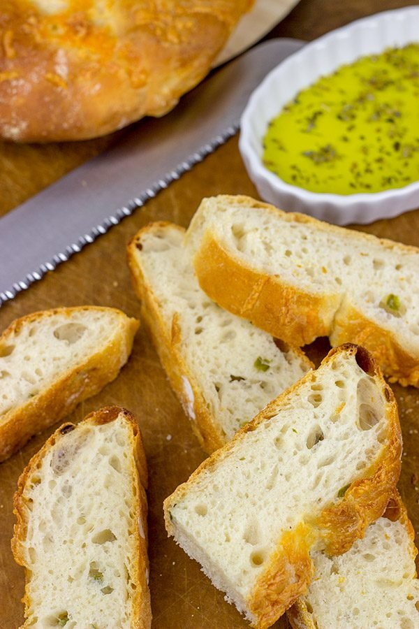 Craving some warm bread fresh out of the oven? Give this Rustic Jalapeno Cheddar Bread a shot!