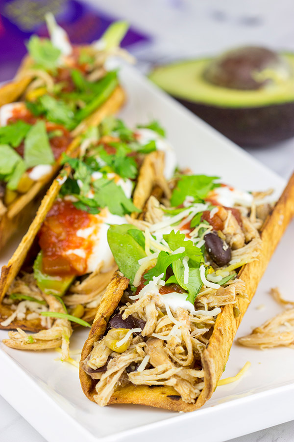 These Slow Cooker Southwestern Chicken Tacos are quick, easy and delicious...the perfect comfort food for a cold winter day!
