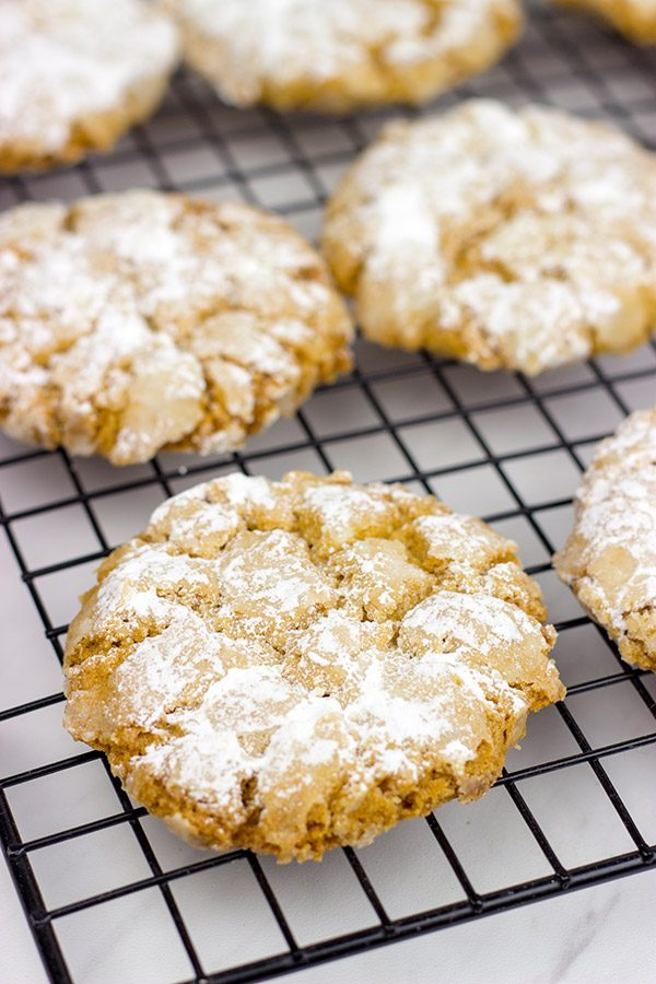 These Peanut Butter Crinkle Cookies are the perfect cookie for any and all peanut butter lovers!