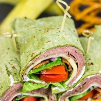 Pack a delicious lunch with these Roast Beef and Swiss Wraps with Horseradish Mayo! Your coworkers and classmates will be jealous!