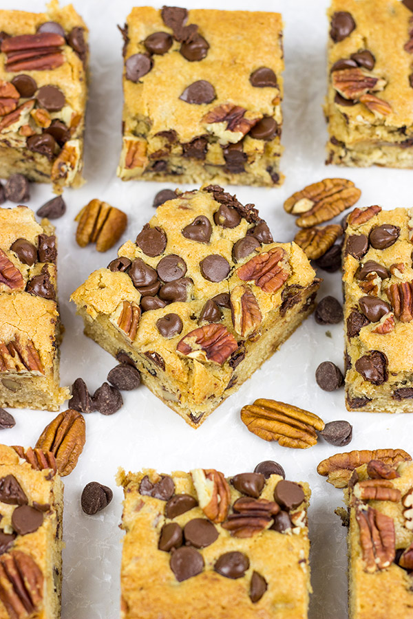 Stuffed with chocolate chips and chopped pecans, these Chocolate Pecan Blondies are an easy and delicious dessert!