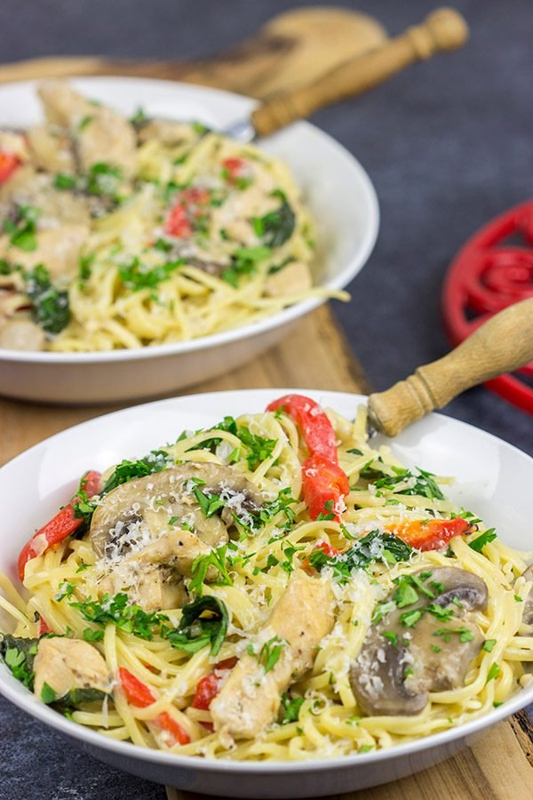 This Creamy Chicken Mushroom Pasta is packed with flavor, and it's easy enough to make on a busy weeknight. Plus, it only uses one pot!