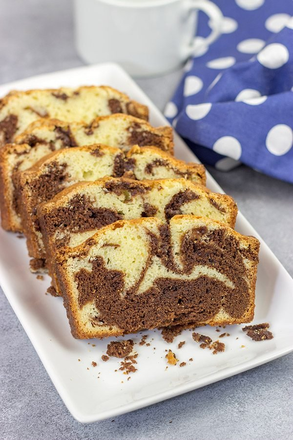 Chocolate vs. Vanilla.  Vanilla vs. Chocolate.  Why not just go with both?  This Marble Pound Cake is a tasty and fun dessert!