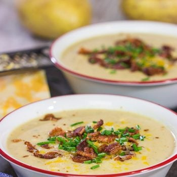 Loaded baked potato meets comforting creamy soup. This Loaded Baked Potato Soup is a bowl of pure comfort food, and it's sure to keep you warm on cold winter nights!