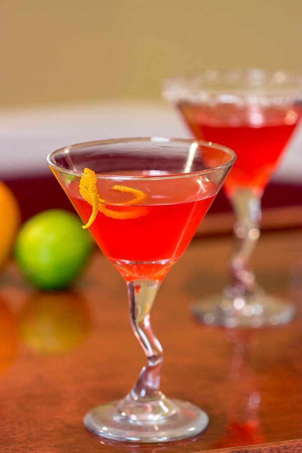Looking for a fun way to garnish a classic cocktail? Pull out the sparkling sugar and make a Cosmopolitan with Lime Sugar Rim!