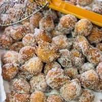 Packed with real pumpkin and your favorite baking spices, these Pumpkin Spice Donut Holes are an amazing way to celebrate Autumn!
