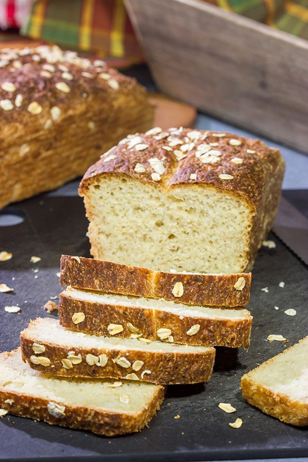 Think baking homemade bread is too hard? Think again! This No Knead Honey Oat Bread is easy to make...oh, and it tastes amazing, too!