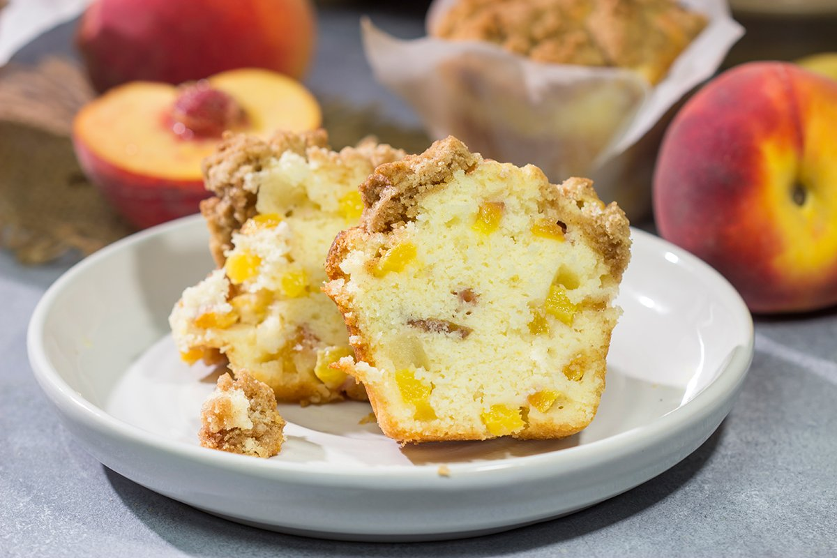 illed with juicy peaches and topped with a brown sugar crumble, these Peach Streusel Muffins are a tasty treat for summer mornings!